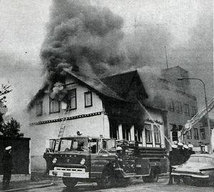 Þingholtsstræti 28, bruni 1975. Mynd úr Tímanum,  8.6. 1975