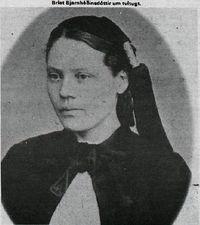 Bríet Bjarnhéðinsdóttir um tvítugt. Lesb. Mbl. 30. jan 1977